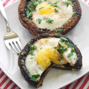 eggs-baked-in-portobello-mushrooms